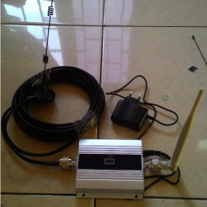 Repeater Penguat sinyal 3G/ WCDMA/ Data 2100Mhz